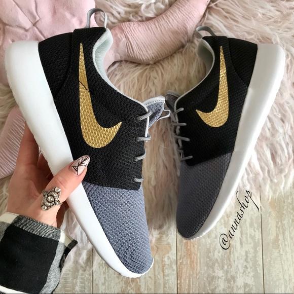 6376bb2c94843 NWT Nike ID Custom Roshe Gold Swoosh